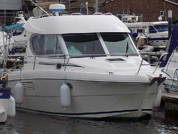 Jeanneau 805 For Sale From Seakers Yacht Brokers