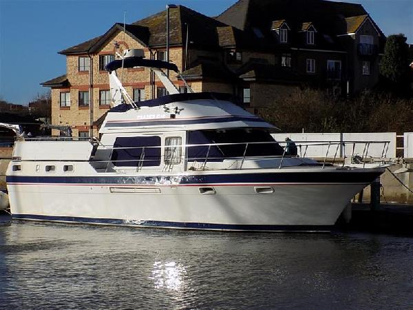 Trader 41 Sundeck + 2 For Sale From Seakers Yacht Brokers