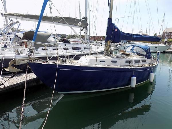 Rival 32 MkIII For Sale From Seakers Yacht Brokers