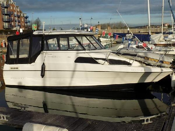 Bayliner Ciera Express For Sale From Seakers Yacht Brokers