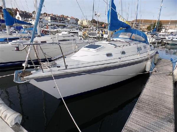 Westerly Fulmar 32 - Lifting Keel For Sale From Seakers Yacht Brokers